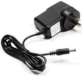"""С электронной мышеловкой """"Antirats-190"""" поставляется блок питания от сети 220В, однако возможна и автономная работа от батареек"""