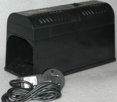 """Комплект поставки  """"Antirats-190"""": мышеловка и адаптер питания"""